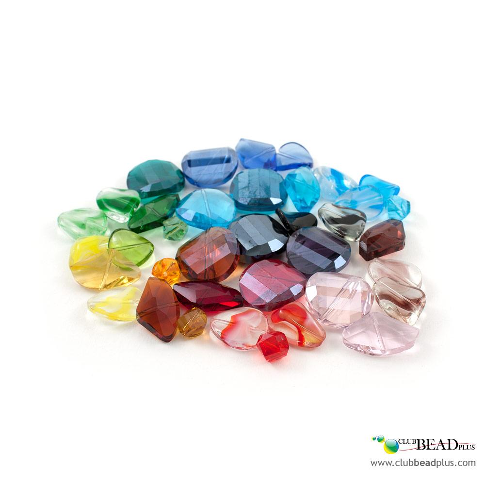 410f29fc23b Le verre se décline sous plusieurs formes dans les bijoux   verre pressé